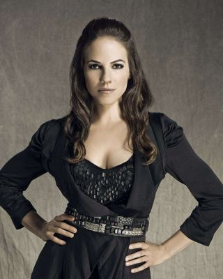 4Chedds Added 12 photos of Anna_Silk's Lost Girl S3 Promos to the gallery at: https://afansite.net/anna-silk/media.htm