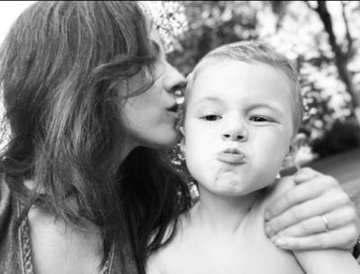 Beautiful photo Anna Silk and her son