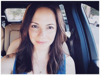 anna.silk instagram Parked and taking in the Cali sunshine while waiting for my hubby to finish work for date night:)❤️